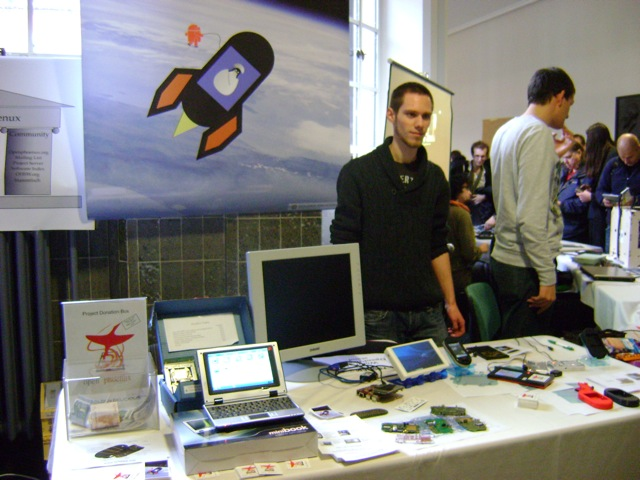 OpenPhoenux stand (2/3)